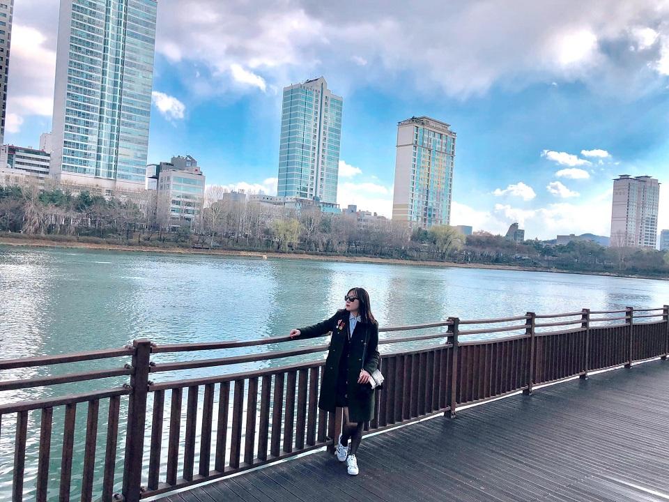 Đi dạo ở công viên Yeouido