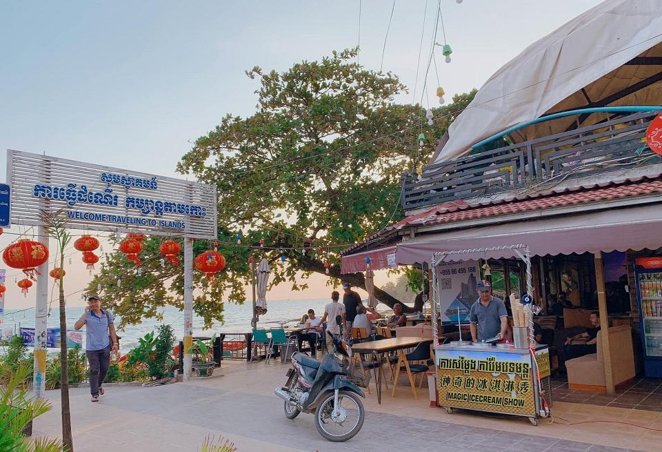 Ngồi ngắm cảnh dạo mát ở bến tàu Sihanouk cũng rất tuyệt đấy