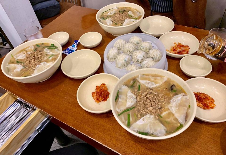Mỳ & Há cảo Myeongdong Kyoja, Seoul, Hàn Quốc