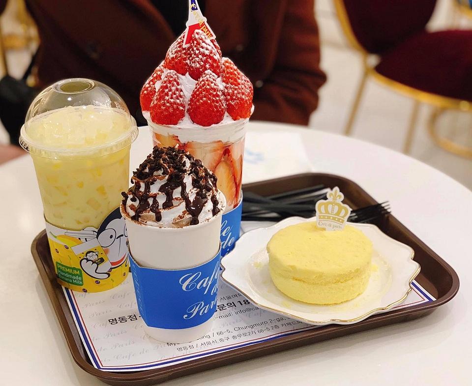 Bánh và kem ở Cafe de Paris Seoul Hàn Quốc