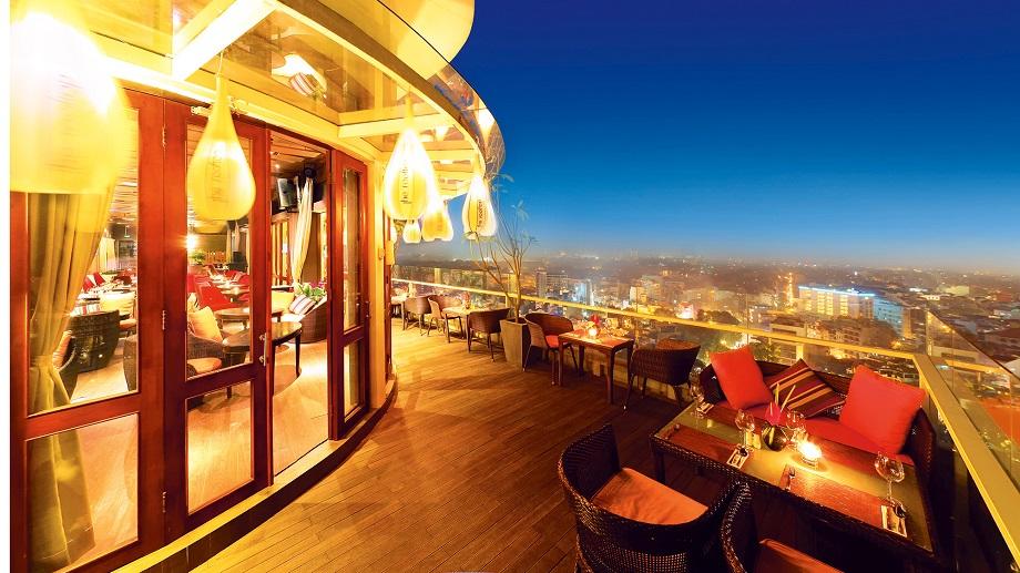 Quán cafe view ngắm pháo hoa năm mới